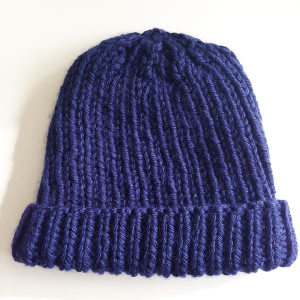 Tricoter un bonnet a quatre aiguilles - Apprendre a tricoter un bonnet ...